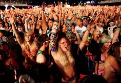 Dance Dance Revolution: Behind the Scenes at the Electric Daisy Carnival - Gideon Lewis-Kraus