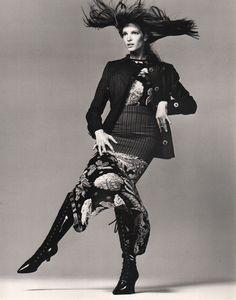 Cult Jones : AVEDON, Richard. - Gianni Versace presents Stephanie Seymour.