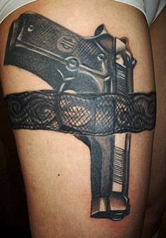 What does garter tattoo mean? We have garter tattoo ideas, designs, symbolism and we explain the meaning behind the tattoo. Sexy Tattoos, Bild Tattoos, Badass Tattoos, Body Art Tattoos, Garter Tattoos, Gun Tattoos, Garter Belt Tattoo, White Tattoos, Arrow Tattoos
