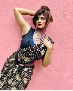 Girls Status, Girl Model, Desi, Sequin Skirt, Sequins, Skirts, Beauty, Beautiful, Style