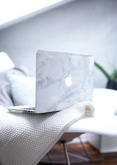 marble phone cover technology classy wishlist hipster computer accessory macbook case macbook macbook air bag jewels white computer beautiful bags computer games apple computer case grey