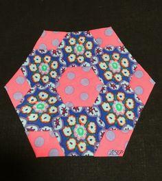 Judy Block #epp #hexies #hexagons #glorioushexagons #quilting #englishpaperpiecing #handquilting