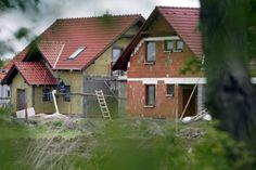 Susedov dom má stáť príliš blízko? Máte možnosť sa brániť   Zmluvy a postupy   magazin.reality.sme.sk