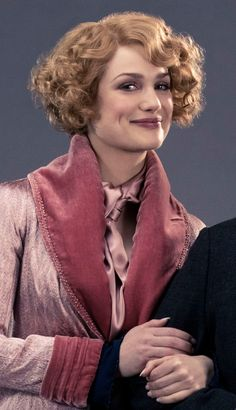 """I got Tina. So surprised. I ALWAYS got Tina, every test I did, even the """"Which chracter from Fantastic Beasts are you? So glad of it; she's my favourite character because she resembles me so much Fantastic Beasts Movie, Fantastic Beasts And Where, Queenie Fantastic Beasts, Hogwarts, Porpentina Goldstein, Alison Sudol, Pin Up, Vintage Hairstyles, Bob Hairstyles"""