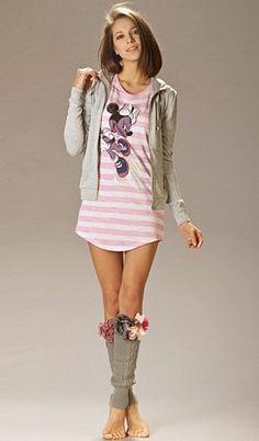 Легенькое платье-футболка от Disney США - 170 грн.