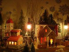 Antique Cardboard Christmas House (100K)