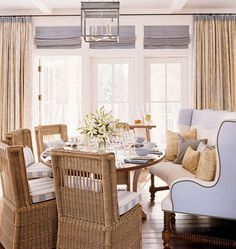 Perfect breakfast spot , using a settee in a breakfast space is always a great idea , you mix chairs with upholstery it breaks up the matchy look ...little tip , ladies...