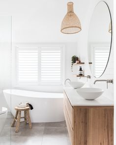 Home Interior Farmhouse .Home Interior Farmhouse Bad Inspiration, Bathroom Inspiration, Bathroom Inspo, Bathroom Colours, White Bathroom Decor, Bathroom Layout, Bathroom Ideas, Bedroom Decor, Bathroom Styling