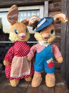 ☆ 2000toys 茨城牛久店 ☆ 商品詳細 即決価格!! Vintage Gund Rubber Nose Doll / Bunny Set(DJ35) ガンド社 うさぎのラバーノーズドール2体セットです。 ファーマーモチーフの可愛らしい雰囲気で サイズ感もある飾り映たっぷりの逸品♪ ラシュトン、ガンド。。ラバーフェイス好きの方、 古き良き時代の名作。。可愛がって下さい☆ お父さんバニーとお母さんバニーの目の素材が異なります。 お母さんバニーには胸があります。 他にも色々出品しています&自己紹介...