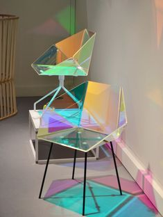 Elise Luttik - Prismania Chair | transparent material with dichroic film produced by 3M #ChairArt