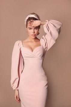 Simple Dresses, Elegant Dresses, Cute Dresses, Beautiful Dresses, Classy Dress, Classy Outfits, Cute Outfits, Dress Outfits, Fashion Dresses