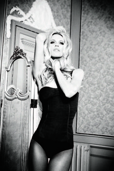 Claudia Schiffer Fronts Guess 30th Anniversary Campaign by Ellen von Unwerth