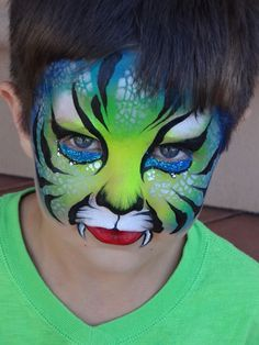 Are you new to face painting? Face Painting For Boys, Face Painting Designs, Face Painting Tutorials, Animal Face Paintings, Animal Faces, Boy Face, Child Face, Halloween Makeup, Halloween Face