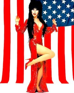 Cassandra Peterson a. Elvira Movies, Playboy, Lily Munster, Cassandra Peterson, Dark Pictures, Sexy Older Women, Dark Beauty, Beautiful Celebrities, Goth Girls