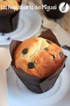 Muffins de Yogurt con pepitas de chocolate   La Repostería de Miguel