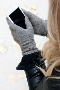Dress your hands in pure luxury this season with our amazing Cashmere Ruched Touch Screen Gloves! Made with cashmere and ruched at the wrists... they are sure to complete your stylish look! These high