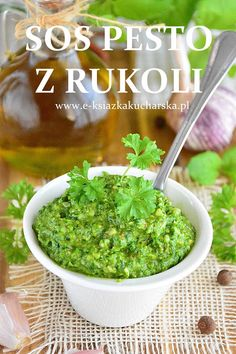 zielone pesto z rukoli Meat Dish, Grill, Guacamole, Delicious Food, Pesto, Food And Drink, Healthy Recipes, Dishes, Cooking