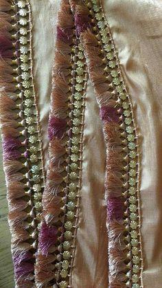 23 ideas for crochet edging patterns lace ideas Saree Tassels Designs, Saree Kuchu Designs, Wedding Saree Blouse Designs, Fancy Blouse Designs, Blouse Neck Designs, Blouse Patterns, Crochet Edging Patterns, Bead Embroidery Patterns, Hand Work Embroidery
