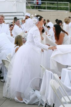 See all our favourite looks from the Dîner en Blanc in Edmonton