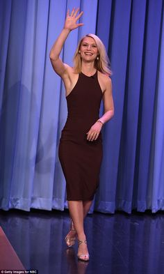 Claire Danes displays athletic figure in burgundy bodycon dress | Daily Mail Online