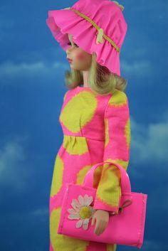 Sun Spots 1968 (by Doll type: Francie Vintage Barbie Clothes, Vintage Dolls, Doll Clothes, Vintage Outfits, Retro Vintage, Play Barbie, Barbie Life, Barbie World, Barbie Dream
