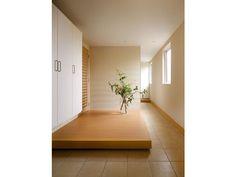 玄関ホール Japanese Home Design, Japanese House, House Entrance, Entrance Hall, Mudroom, Modern Interior, My House, Entryway, Lounge