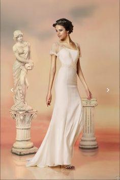 V Neck Short Sleeved Lace Appliqued A-line Wedding Dress with Cloak