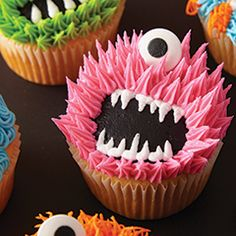 Very Hairy & Scary Cupcakes