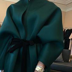 Fashion Tips Ideas .Fashion Tips Ideas Abaya Fashion, Muslim Fashion, Modest Fashion, Fashion Dresses, Fashion Details, Fashion Tips, Fashion Design, Mode Abaya, Abaya Designs