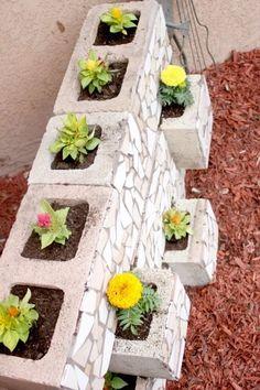 53 The Best Cinder Block Garden Design Ideas In Your Front Yard - Cinder Blocks Cinder Block Garden, Cinder Blocks, Patio Wall, Mosaic Diy, Diy Planters, Planter Ideas, Concrete Blocks, Garden Beds, Garden Projects