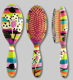 Wonderful hairbrush Pylones - Paris!