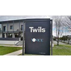 Inizia la nostra visita in azienda. #twils #design #interiordesign - http://ift.tt/1FeLg8p