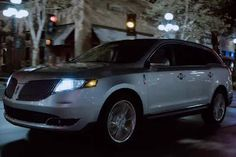 2013 Lincoln MKT Picture