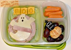 Robot Squirrel and the Monkeys: Ghostly fun food Cute Snacks, Lunch Snacks, Cute Food, Good Food, Toddler Lunch Box, Toddler Lunches, Kid Lunches, Cute Lunch Boxes, Halloween Snacks