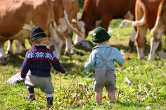 Ausseerland ~ too cute! Lederhosen, Rugrats, Baby Kids Clothes, Funny Kids, Traditional Outfits, Make You Smile, Austria, Little Ones, Riding Helmets