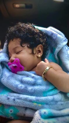Cute Mixed Babies, Cute Black Babies, Black Baby Girls, Beautiful Black Babies, Cute Little Baby, Pretty Baby, Cute Baby Girl, Beautiful Children, Cute Babies