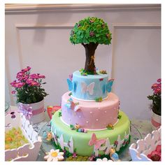 Butterfly garden cake by My_Edible_Art {The Cake Shop by Mila Fontana}, via Flickr