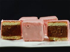 Punschkrapferl - orf Austrian Recipes, Croatian Recipes, Yummy Treats, Sweet Treats, Yummy Food, Healthy Food, Bolo Cake, Sweet Bakery, Take The Cake