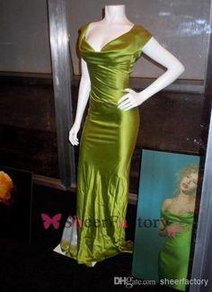 Christina-Aguilera-grün-dress-burleske-replik-von-der-schulter-aus-seide-satin-celebrity-dress-abendkleider-trägerlosen.jpg (579×800)
