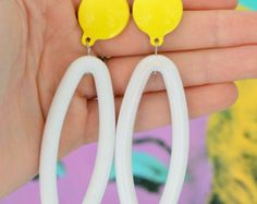 1980s DANGLY Earrings... costume. 1980s glam. sexy. killer 80s. rad. rocker. punk. indie. hipster. round. urban. white. yellow. mod. party