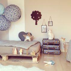 Mobilier Design, Décoration tendance, Jouet Magique et Tout pour bébé ... Rendez-vous sur www.range-ta-chambre.com
