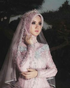 Muslim Wedding Gown, Kebaya Wedding, Muslimah Wedding Dress, Muslim Wedding Dresses, Muslim Brides, Pakistani Bridal Dresses, Wedding Dresses For Girls, Bridal Hijab, Hijab Bride