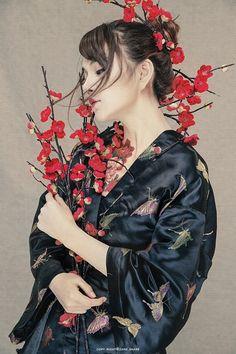 이미지 보기 : 네이버 카페 Studio Photography Poses, Fine Art Photography, Portrait Photography, Human Poses Reference, Pose Reference Photo, Female Poses, Female Portrait, L5r, Japanese Geisha
