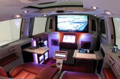 The BRABUS iBusiness 3D is based on the Viano - it is described as a 3D Multimedia Lounge ...