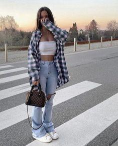 Tomboy Fashion, Teen Fashion Outfits, Retro Outfits, Streetwear Fashion, Vintage Outfits, Girl Outfits, Sweat Streetwear, Fashion Mode, Girl Fashion