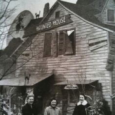 Amlings Haunted House, Melrose Park, IL  This was always so much fun to go do during Halloween season!