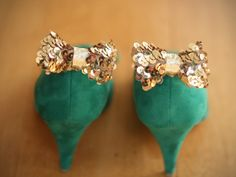 DIY Sequin Bow Shoe Clips -- so fun for dressing up a pair of heels for holiday parties!