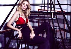 www.ModaMinasBH.com.br Coleção que está encantadora em cada detalhe . #modamineira  #inverno2016 #skazi #modaminasbh