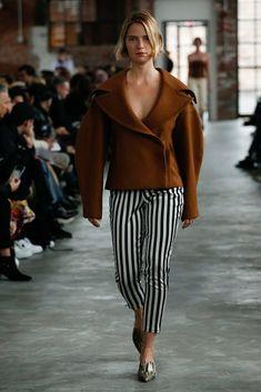 https://www.vogue.com/fashion-shows/fall-2018-ready-to-wear/eckhaus-latta/slideshow/collection