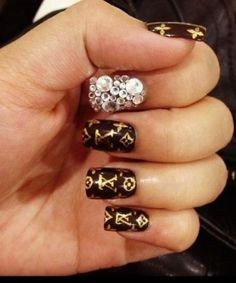 Louis Vuitton Nail Designs, french tip louis vuitton, nail designs Louis Vuitton, nail polish Louis Vuitton, nails art